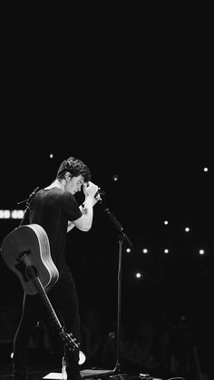 Pin by sama samy on shawn mendez in 2019 шон мендес, шона, красивые парни. Shawn Mendes Tour, Shawn Mendes Imagines, Shawn Mendes Girlfriend, Shawn Mendes Quotes, Shawn Mendes Guitar, Mendes 98, Mendes Army, Cameron Dallas, Fangirl