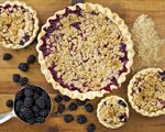 Porch Pies - Mixed Berry Crumble