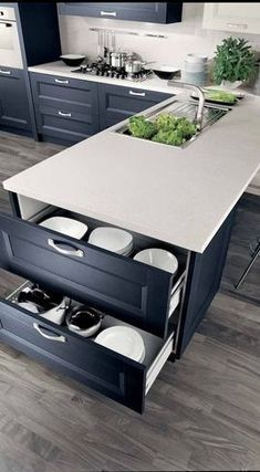 Find Cool L-Shaped Kitchen Design for Your Home Now! Find more ideas: Narrow L-shaped Kitchen Large L-shaped Kitchen Ideas L-shaped Kitchen With Pantry L-shaped Kitchen Floor Plans L-shaped Galley Kitchen Design Best Kitchen Cabinets, New Kitchen, Awesome Kitchen, Wood Cabinets, Coloured Kitchen Cabinets, Beautiful Kitchen, Island Sinks, Kitchen Paint, Best Kitchen Layout