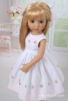 Pretty Dolls, Cute Dolls, Beautiful Dolls, Girls Smocked Dresses, Flower Girl Dresses, Red Fashion, Fashion Dolls, Girl Dolls, Baby Dolls