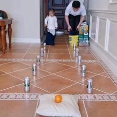 Field Day Games For Kids Discover Kids indoor activities Indoor Activities For Kids, Home Activities, Activity Games For Kids, Camping Activities, Games For Children, Games For Preschoolers Indoor, Team Games For Kids, Teambuilding Activities, Kids Indoor Play