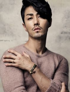 """Cha Seung Won to Come Back to The Big Screen With """"High Heels"""" Actor Cha Seung Won's first project in Lotte Entertainment, recently revealed that the actor will act in the movie """"High Heels"""" after 3 years. Hot Korean Guys, Hot Asian Men, Asian Love, Korean Men, Korean Face, Korean Star, Asian Actors, Korean Actors, Beautiful Boys"""