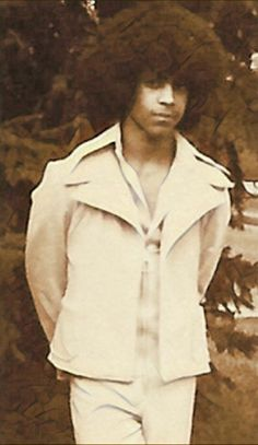 Young Prince Rogers Nelson sporting A Leisure Suit Back In The Day Prince Images, Pictures Of Prince, Young Prince, My Prince, Afro, The Artist Prince, Roger Nelson, Prince Rogers Nelson, Purple Reign