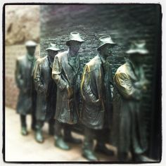 """Franklin Delano Roosevelt Memorial in Washington, D.C. Insider's Tip: The 4 outdoor """"rooms"""" that make up the memorial represent FDR's 4 terms as president. And the water features are very soothing!"""