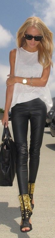 street look... check out the booties! #Vixencertified #vixeniista #vixen