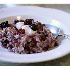 Pre-workout power breakfast: city oatmeal