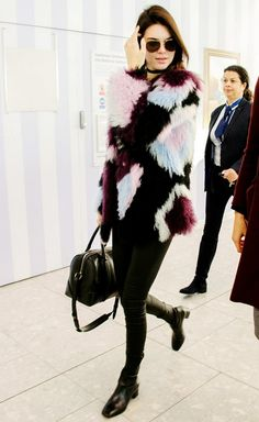 Kendall Jenner, Airport Style, Styling Trick, Boots, Coat, Choker Necklace