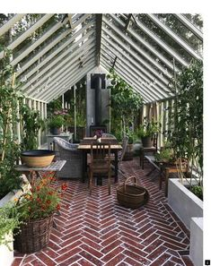 Amazing conservatory greenhouse ideas for indoor-outdoor bliss - 🍀Andrea L.🐾 - Amazing conservatory greenhouse ideas for indoor-outdoor bliss Amazing conservatory greenhouse ideas for indoor-outdoor bliss - Indoor Outdoor, Outdoor Greenhouse, Best Greenhouse, Greenhouse Plans, Greenhouse Gardening, Outdoor Rooms, Outdoor Gardens, Outdoor Living, Outdoor Ideas