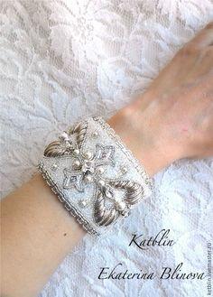 """Купить Браслет """"Свадебный переполох"""" - белый, браслет, свадебные аксессуары, свадебное украшение, кристаллы сваровски"""