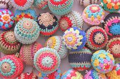 #crochet, free pattern, christmas bauble, decoration, X-mas, #haken, gratis patroon (Engels), kerstbal omhaken, decoratie, #haakpatroon, Kerstmis