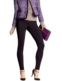 HUE Luxe Ponte Leggings are sleek, versatile and comfortable - to offer you a look which will surely turn heads. #HUEandPSW  #StyleHunters
