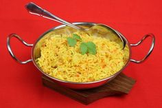 Arome indiene: pilaf cu citrice - www. Pilau Rice, Curry, Serving Dishes, Macaroni And Cheese, Cooking Recipes, Ethnic Recipes, Lemon Rice, Object Drawing, Food