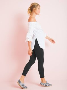 Ultra-practical under a tunic or dress these leggings are super-comfortable! Very comfortable flat panel especially designed for pregnancy. Maternity Sale, Maternity Leggings, Comfortable Flats, Black Leggings, Color Mixing, Pregnancy, Capri Pants, Tunic, Legs