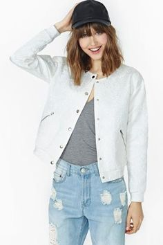 Shop this season's best bomber jackets and more at Nasty Gal. Toughen up a slinky dress or rock it with skinnies and distressed tees we love. Raincoats For Women, Jackets For Women, Clothes For Women, H&m Raincoat, Yellow Raincoat, Cool Bomber Jackets, Oversized Jacket, Going Out Outfits, Discount Clothing