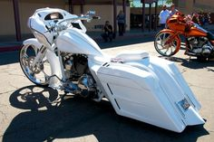 Scott Capalbo of Cylent Cycles specializes in custom Harley baggers at his shop in Mesa, Arizona, where he makes wild customs with one-off bagger parts.