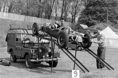 Stuart Lewis Evans and Tony Harris off loading a Cooper 500 from a Land Rover transporter at Crystal Palace Sep 53 Maserati, Bugatti, Mv Agusta, Land Rovers, Jaguar, Audi, Car Carrier, Off Road, Land Rover Discovery