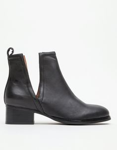 Just found these Jeffrey Campbell Oriley Boots online...from Sydney.