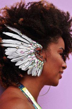 Ear Cuff Penas Anjo Prata Ear Jewelry, Body Jewelry, Skull Jewelry, Hippie Jewelry, Festival Sunglasses, Costume Makeup, Festival Outfits, Headdress, Coachella