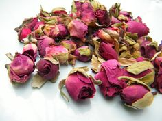 Dried rose buds, dark pink, from daisyshop.co.uk