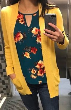 Dear stitch fix: I really like the color and pattern of this shirt. (yellow card… Dear stitch fix: I really like the color and pattern of this shirt. (yellow cardigan not necessary) Stitch Fix Outfits, Yellow Cardigan, Mustard Cardigan Outfit, Cardigan Shirt, Casual Outfits, Fashion Outfits, Girl Outfits, Stitch Fix Stylist, Mellow Yellow