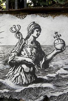 Alchimie LXXXII - Personnage féminin tenant dans ses mains un caducée & une orbe.