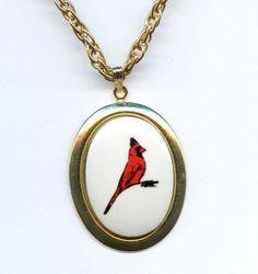 Vtg 1970s Cardinal Red Bird Porcelain Cab Gold Tone Pendant Necklace  #NotSigned #Pendant