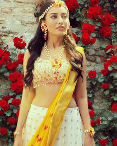 Cb background and png: Surbhi jyoti fabulous dresses, surbhi cuteness,beautifull surbhi. Marathi Bride, Hindu Bride, Indian Bridal Lehenga, Pakistani Bridal, Bridal Outfits, Bridal Dresses, Backless Long Dress, Modern Saree, Haldi Ceremony
