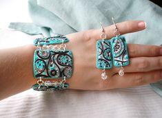 Pretty clay bracelet and earrings.