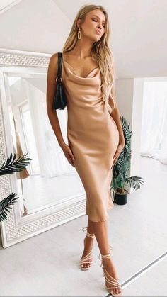 Glam Dresses, Satin Dresses, Dress Outfits, Fashion Outfits, Formal Dresses, Formal Midi Dress, Dresses To Wear To A Wedding, Cute Outfits, Green Midi Dress