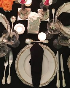 About last night. Black & white table #aboutlastnight #tablescape #tablesetting #artdelatable #antiquesilver #blancdechine #chineseantiques #decor#decoration #decorative #design#details#interior #interiodecor #interiordesign #interiordecoration #chic #style #luxury #lifestyle #livingwithstyle #home#barcelona