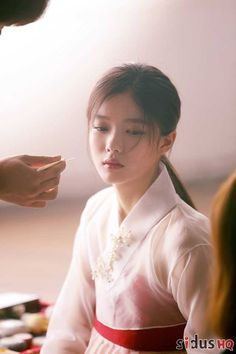 """Kim Yoo Jung in """"Moonlight Drawn By Clouds"""" - She looks so ethereally beautiful in this drama. Child Actresses, Korean Actresses, Asian Actors, Korean Star, Korean Girl, Korean Beauty, Asian Beauty, Kim Yu-jeong, Kim Joo Jung"""