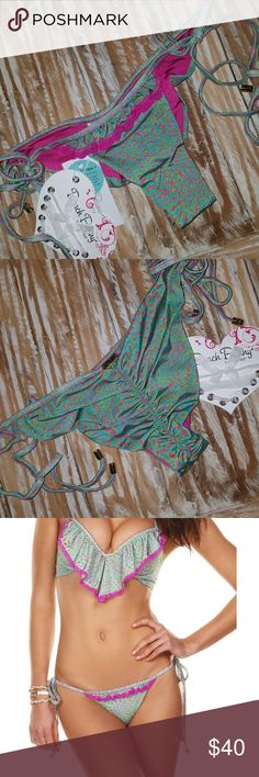 Nwt Beach Bunny Sweet Desire Animal bikini bottoms Brand new with tags Beach Bunny sweet desire animal print side tie Bikini Bottoms in a size extra small beach bunny  Swim Bikinis