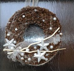 Vánoční věnec na dveře 2014 Grapevine Wreath, Grape Vines, Hanukkah, Wreaths, Homemade, Christmas Ornaments, Holiday Decor, Advent, Home Decor