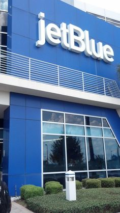 BlueTales » JetBlue » A Day in the Life Brand Design