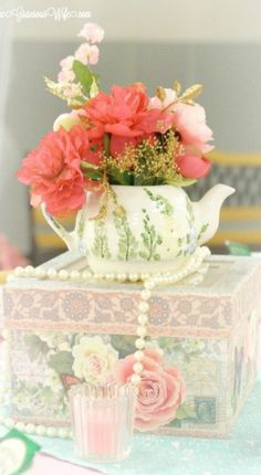 Teapot Centerpiece ~ Debbie ❤