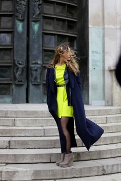 #Fashion Week : look-book  Des looks pointus, une semaine de la mode, des photos : c'est le look-book fashion week 2013 ! Quelles seront les tendances hors des podiums ?    http://missscoiattollo.wordpress.com/2013/03/01/fashion-week-look-book/