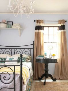 Eclectic Color Scheme - For a more out-of-the-ordinary look consider pairing periwinkle walls with accents of brown and teal. Periwinkle has a twinge of purple, which makes it the perfect option if you want to use blue, but are aiming for a signature look.