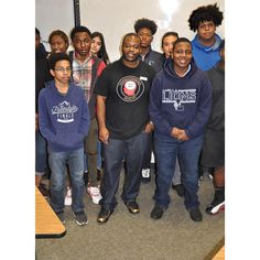 Thank you Brenon Robbins @brenon_speaks for taking the time out today to speak with my Marketing/Entrepreneurship Students. #Networking #DECA #Entrepreneurship #Marketing #Entrepreneur #LuellaHighSchool #Lions #MsMorrowMarketingClass #GivingBack #Branding #Actress #Actor #Inspire #Goals #NeverGiveUp #Music #PR #PublicRelations #GuestSpeaker #Fashion #Sports #Teacher #Educator #Artist #Photography #MUA #Video #Atlanta #Cake @ms.morrowmarketingclass @qmorrow1908
