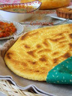Homemade Berber bread from Kabylie region in Algeria. Bread aka Aghroum (Berber), Kesra (Arabic) Pain (French) Read Recipe by Arabic Bread, Arabic Food, Comida Armenia, Crepes, Algerian Recipes, Algerian Food, Middle East Food, Iftar, Sandwiches