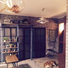 tarako_tenさんの、DIY,照明DIY,ダイソー,IKEA,マスキングテープ,WALPA壁紙,窓枠風DIY,床DIY,棚DIY,壁DIY,リメ缶,賃貸,部屋全体,のお部屋写真