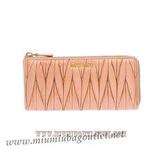 d7cad03f35c Cheap Miu Miu Wallet Black UK Outlet Online   Miu Miu Bag Outlet ...