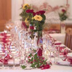 Schöne Tischdeko Ideen für die Hochzeit und andere Feste findet ihr in unserer riesigen Bildergalerie - von kreativ bis klassisch, von modern bis edel...