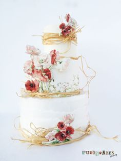… So happy to show you my latest cake! I´m sooooo bored of winter that I wanted to design a cake with a small breeeze of spring… All the decorations are made of fondant and wafer paper. Wedding Cake Designs, Wedding Cakes, Beautiful Cakes, Amazing Cakes, Cake Design Inspiration, Daily Inspiration, Poppy Cake, Pastel Cakes, Wafer Paper Cake