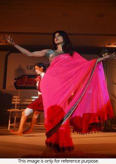 Bollywood Actress Priyanka Chopra Georgette Saree in Pink color