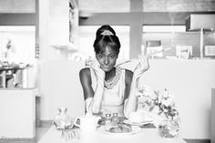 """Breakfast at ONOMO's"", 2013. Fotógrafo questiona a falta de protagonistas negros no cinema."
