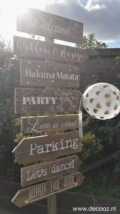 40 Ideas Backyard Kids Fort Ropes For 2019 backyard wedding Backyard Swing Sets, Backyard Party Games, Backyard Shade, Backyard Plants, Backyard For Kids, Backyard Fort, Backyard Wedding Dresses, Wooden Wedding Signs, Boho Wedding