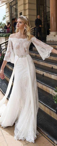 Alessandra Rinaudo 2017 Wedding Dresses #bohowedding #boho #bohemian #bohobride #bohostyle #weddingdresses #weddinggowns #bridaldress #bride #bridal #bridalgown #brides #weddings