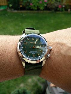 Buying a Watch? Dream Watches, Fine Watches, Watches For Men, Seiko Automatic Watches, Seiko Watches, Seiko Sarb, Seiko Mechanical Watch, Seiko Alpinist, Watch Gears
