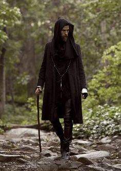 For more Ninja Goth inspiration… Witch Fashion, Dark Fashion, Gothic Fashion, Mens Fashion, Pagan Fashion, Steampunk Fashion, Style Fashion, Vetements Clothing, Male Witch