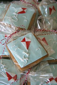 Let's Go Fly A Kite.......! Cute cookies for Easter since we always fly kites on easter.